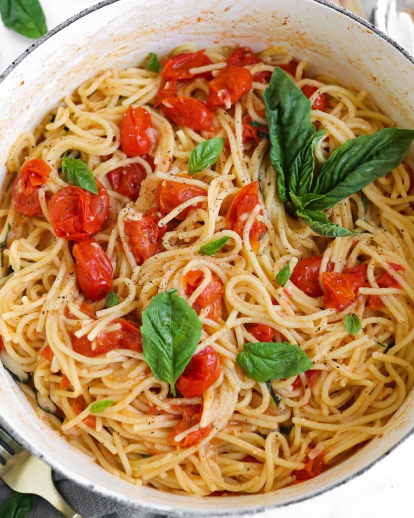 One-pot vegan tomato basil pasta finished